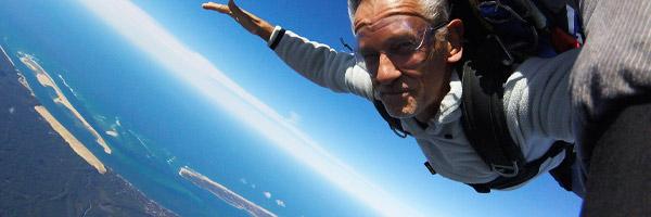 Saut en parachute sur la plage d'arcachon