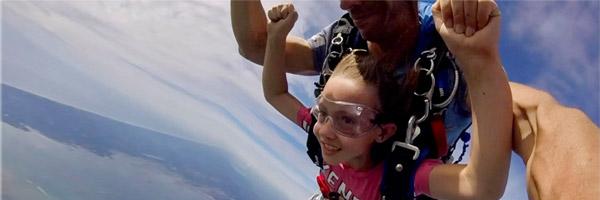 Saut en parachute enfant